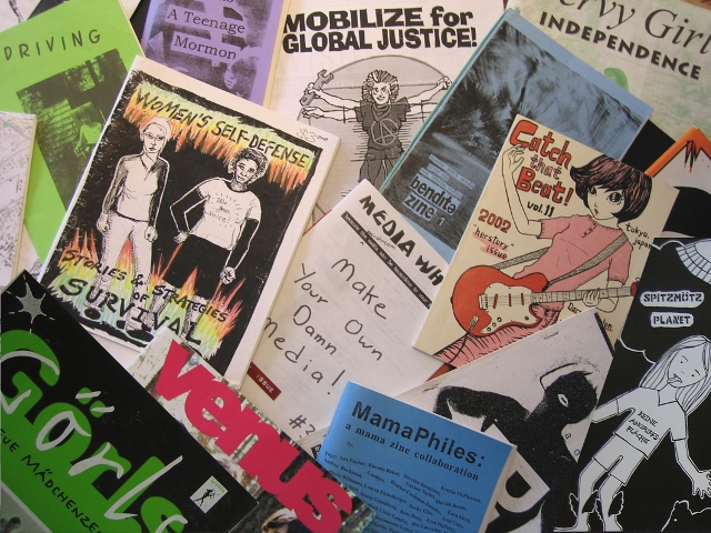Collage von internationalen Grrrl Zines. Foto: Pia Streicher