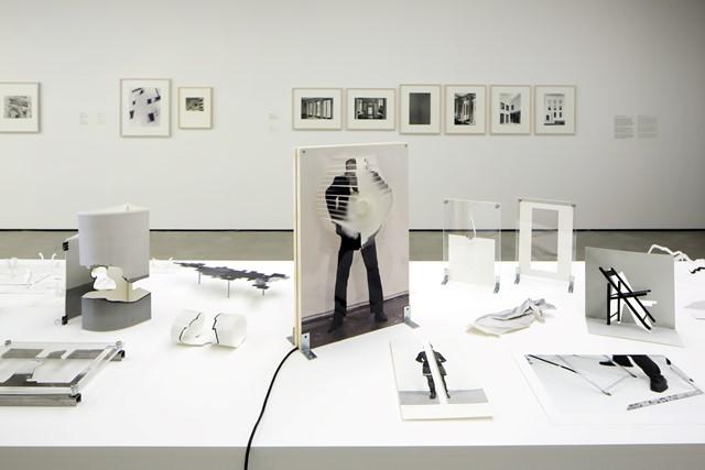 Franz Bergmüller, Fotografische Modelle, 2017, Ausstellungsansicht Raum & Fotografie © Museum der Moderne Salzburg, Foto: Rainer Iglar