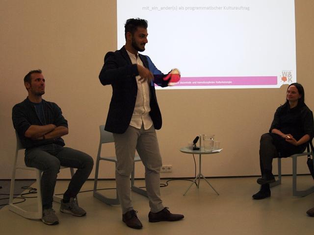 Onur Bakis bei seinem Vortrag.