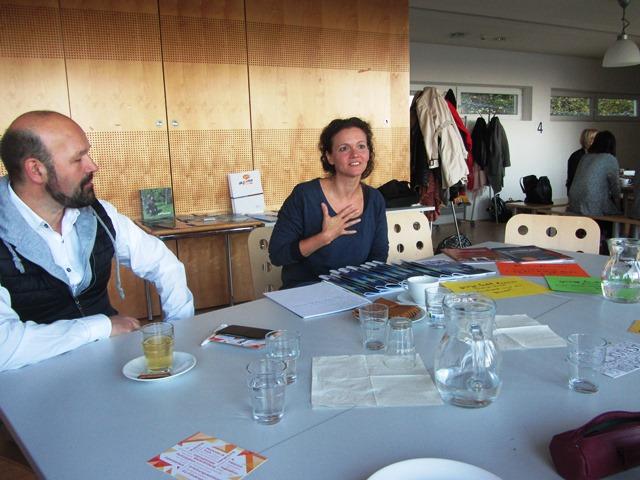 Das Bild zeigt 2 Gäste des Frühstücks bei Akzente Salzburg