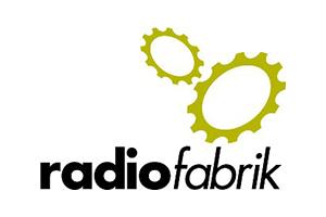 Logo Radiofabrik mit Zahnrädern