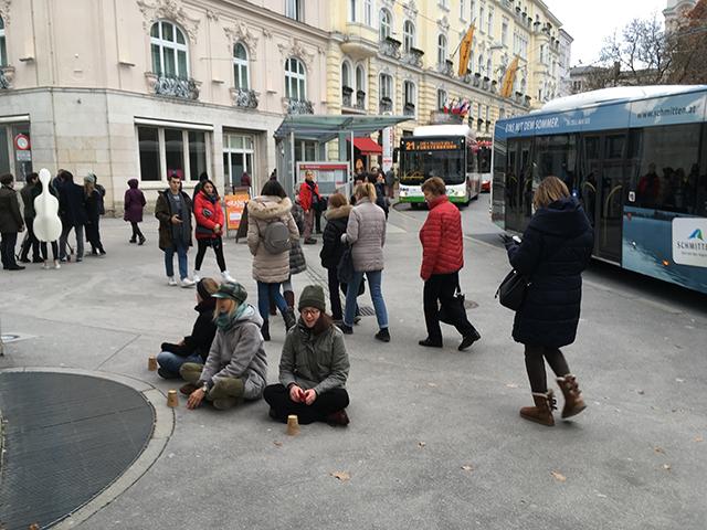 Cupsong am Makartplatz. Foto: Elke Zobl